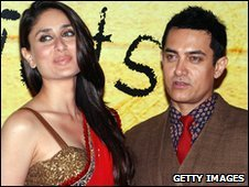 Kareena Kapoor (left) and Aamir Khan star in 3 Idiots