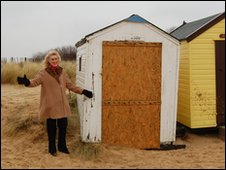 Roseanne Green with a Southwold beach hut