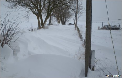 Ian Noonan reports 6ft high drifting snow at Llanbedr Dyffryn Clwyd, near Ruthin