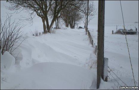 Ian Noonan reports 6ft high drifting snow at Llanbedr Dyffryn Clwyd, near Ruthin