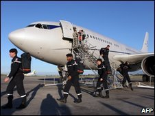 French military rescuers arrive at the airport of Port-au-Prince, 14 January 2010