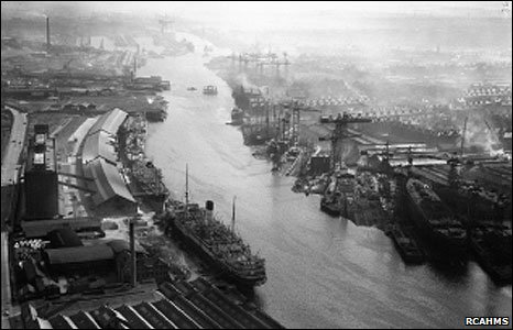 http://newsimg.bbc.co.uk/media/images/47117000/jpg/_47117694_glasgow_govanshipyard_rcahms466.jpg