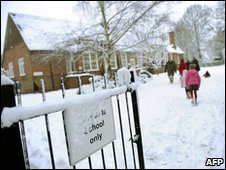 Snowy school in Hampshire