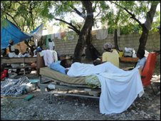 People camping outside, Port-au-Prince, Haiti, Saturday 16 January. Photo: Thomas Oronti