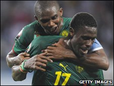 Samuel Eto'o (left) and Mohamadou Idrissou (right)