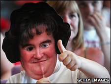 Fan with a Susan Boyle mask