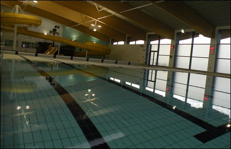 Bbc in pictures meridian leisure centre in louth for A swimming pool is 50m long and 20m wide