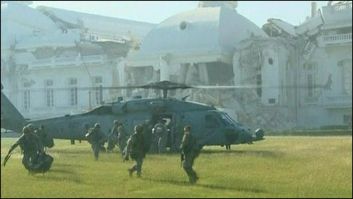 US helicopter taking off from Presidential palace grounds