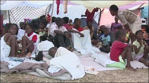 Haitians wait for aid