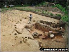 Iron Age dig at King's Road
