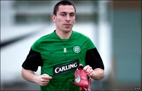 Celtic midfielder Scott Brown returns to training