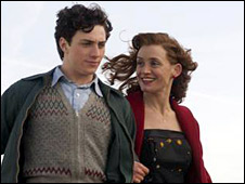 Aaron Johnson and Anne-Marie Duff in Nowhere Boy
