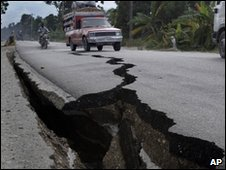 Damaged road in Leogane, Haiti (20 Jan 2010)