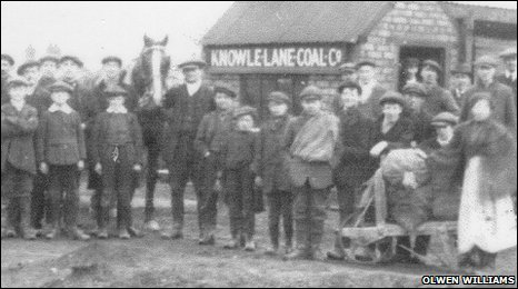 Workers at the Knowle Lane Coal Company, c1926