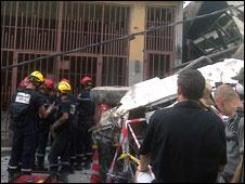 Scene of rescue at Napoli Inn Hotel, Port-au-Prince, 23 Jan