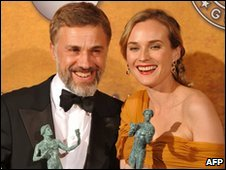 Christoph Waltz and Diane Kruger with cast prizes for Inglourious Basterds