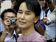 Aung San Suu Kyi in Rangoon, Burma (Nov 2009)