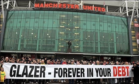 Man Utd fans protest against the Glazer ownership on Saturday