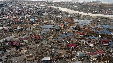 Tsunami damage in Aceh, Indonesia (27 Dec 2004)