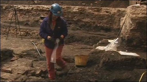 Excavating the site of the East End playhouse where's Shakespeare's earlier plays were performed.