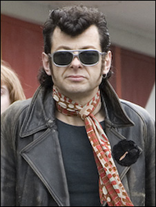 Andy Serkis plays Ian Dury in Sex & Drugs & Rock & Roll