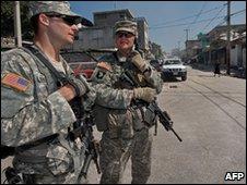 US soldiers in Port-au-Prince, Haiti (12 Jan 2010)