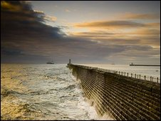 Mouth of the Tyne. Photo: Ken Cowins