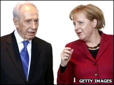 Shimon Peres and Angela Merkel in Berlin, 26 January 2010