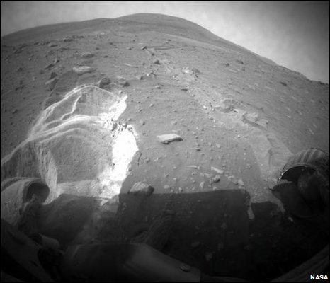 Rover stuck in soil (Nasa)