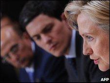 Hillary Clinton, David Miliband, and Yemen Foreign Minister Abu Bakr al-Qirbi