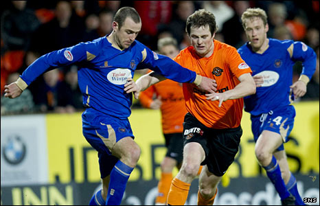 St Johnstone defender Dave MacKay and Dundee United striker Jon Daly