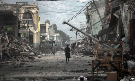 A devastated street in Port-au-Prince 20 January 2010