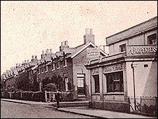 Banks Cottages. Copyright. Fred Pennhallow