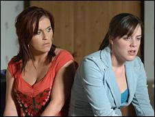 Kat Slater (Jessie Wallace) and Zoe Slater (Michelle Ryan)