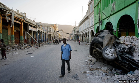 A man walks down a street in Port-au-Prince (27 January 2010)
