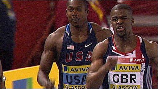 Leon Baptiste (right) beating Shawn Crawford