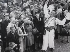 Prince Monolulu in front of the racing crowds