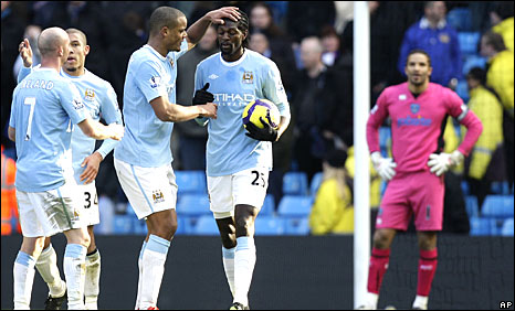 Emmanuel Adebayor scores his first goal in nearly two months for City