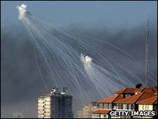 White phosphorus shells fired on UN compound, 15 January 2009