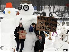 Protest with snowmen