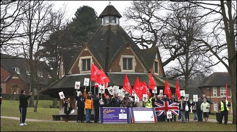 Bournville workers and residents at Bournville Village Green