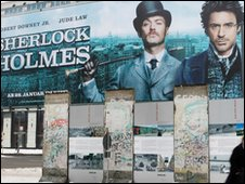 Robert Downey Junior and Jude Law on Sherlock Holmes poster