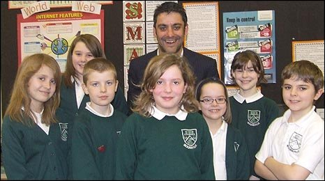 Phil Upton with children from Bournville Junior School