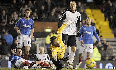 David James is unable to keep out Jonathan Greening's shot