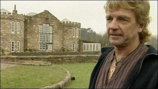 Robert Fidler in front of his castle