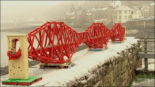 Lego model of the Forth Rail Bridge