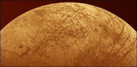 Europa (Voyager Project, JPL, Nasa, Copyright Calvin J. Hamilton)