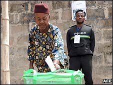 A man casts his vote in the Aguata district of Anambra. Photo: 6 February 2010