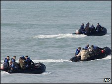 Lebanese marine commando units off Naameh, south of Beirut, Lebanon, 6 Feb