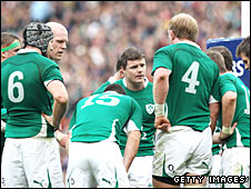 Brian O'Driscoll gives a teamtalk at Croke Park